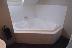 Spa Bath Suites Available